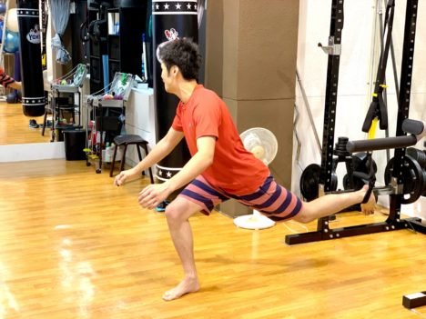 image-キックボクシングは自重トレーニングです | 名古屋池下のキックボクシングフィットネスジム