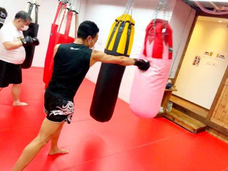 image-小林さま 「ジムに来て運動する」という自粛の仕方をしています | 名古屋池下のキックボクシングフィットネスジム